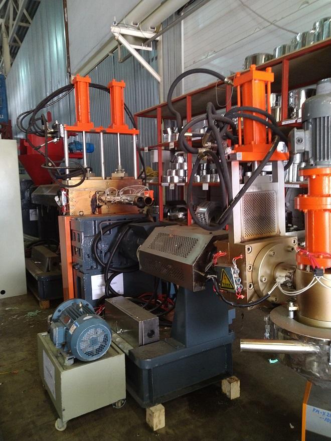 В наличие новые экструдеры для производства вторичной гранулы